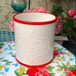 Pioneer woman rare white utensil canister r